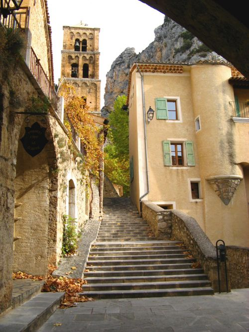 Provence....Moustiers?