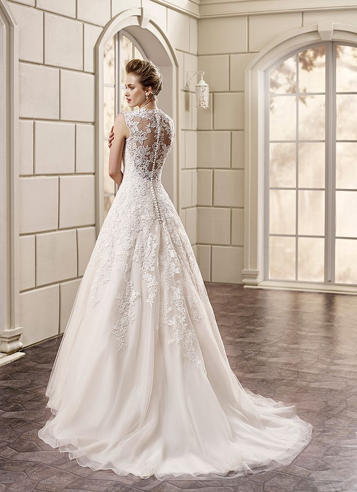 249 Best Lace Wedding Gowns Images On Pinterest Bridesmaid Dresses Gown And Frocks