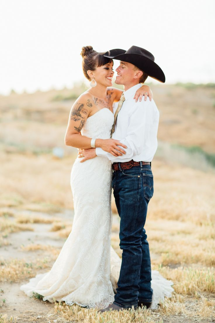 Southern wedding, groom in jeans, cowboy hat, country // Celestial Sights Photography