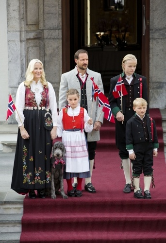 The Norwegian Royal Family Celebrate National Day in Oslo - MYROYALS FASHİON