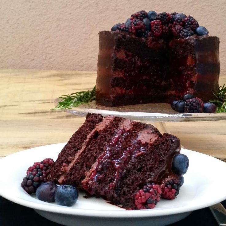 Pınar's Desserts: Böğürtlen ve Çikolatalı Kek
