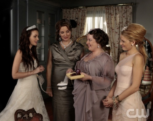 """""""G.G."""" - Leighton Meester as Blair Waldorf, Margaret Colin as Eleanor, Zuzanna Szadkowski as Dorota and Blake Lively as Serena Van Der Woodsen in GOSSIP GIRL on The CW.  Photo: Giovanni Rufino/The CW©2011 The CW Network, LLC. All Rights Reserved."""