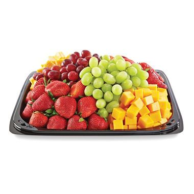 According to the reviews, this tray could serve about 25 people.