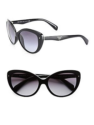 Cat eye #sunglasses were widely popular in the 50s-60s. Audrey Hepburn is just one celeb notable for wearing glasses with this frame.