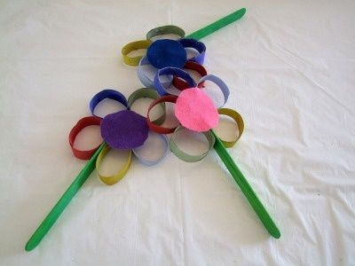 We are crazy for this Toilet Paper Roll Flower craft for kids! We think it's the perfect fun flower craft for summer. And, we just know kids will love it too!    Craft supplies you will need:        * Paint      * Toilet paper rolls      * Popsicle stic