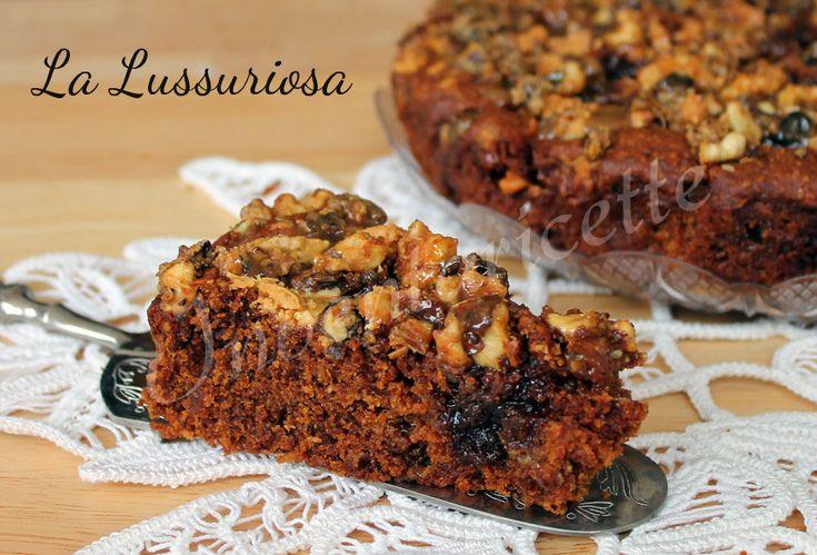 LA LUSSURIOSA. TORTA AL CARAMELLO CON NCI E CIOCCOLATO BIANCO CARAMEL CAKE WITH WALNUTS AND WHITE CHOCOLATE