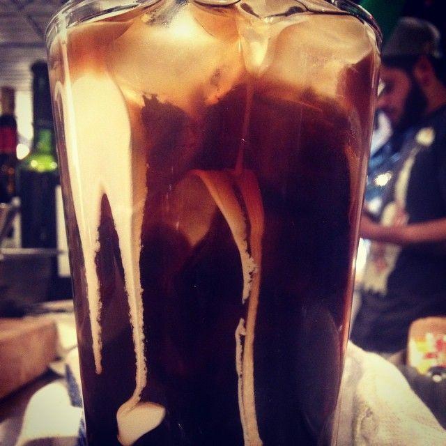 Холодный молочно-кофейный коктейль