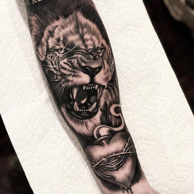 200 Amazing Tattoo Designs Ideas That You Ll Love Lion Tattoo Sleeves Lion Hand Tattoo Arm Tattoo