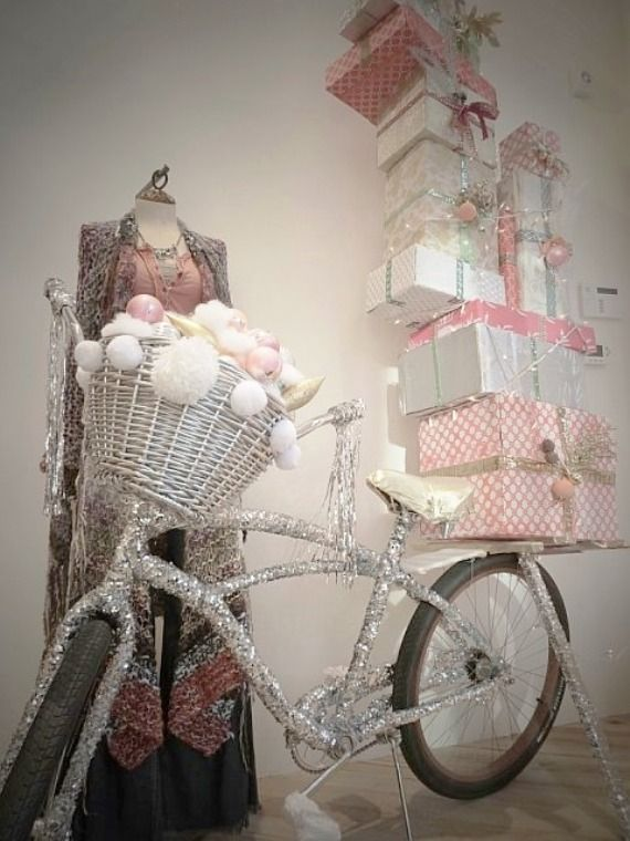 Yes, I want it all, and I want to deliver all my gifts to all my friends on that darn bike wrapped with tinsel!