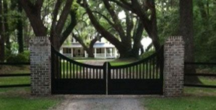 country english wood gate. Windsor gate. $2,000 and then paint it white and install :)