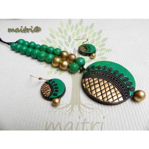 Terracotta Jewellery - Green Gold beauty https://www.facebook.com/maitricrafts.maitri https://www.facebook.com/maitricrafts. maitri_crafts@yahoo.com