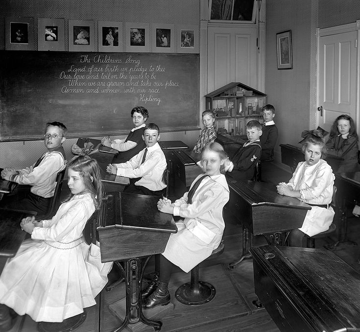 Potomac School in Washington, ca 1910.