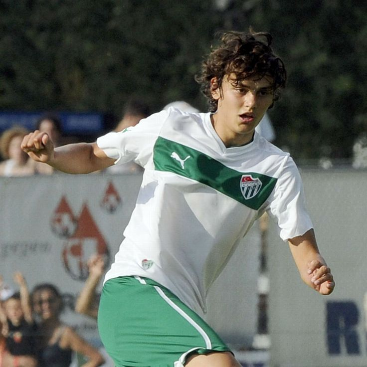 Manchester City have reached an agreement to sign striker Enes Unal from Bursaspor, the Turkish club's president has said.