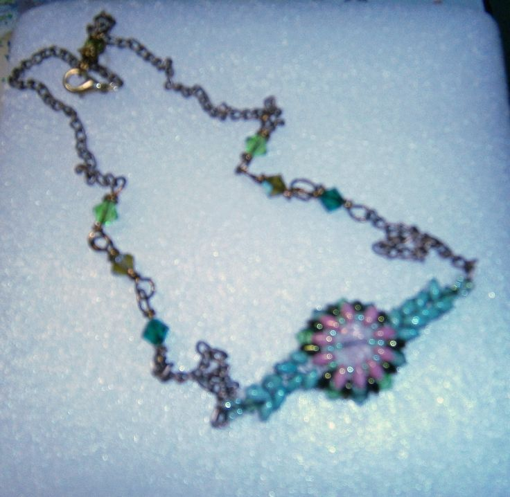Necklace with a flower focal by Sophiecadesigns #superduobeads #crystal #green #pink #chain #handmade #jewelry