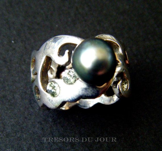 Unique Pearl Ring Tahitian PEARL STATEMENT RING with green sapphires in Arabesque Art Nouveau style  by TresorsDuJour