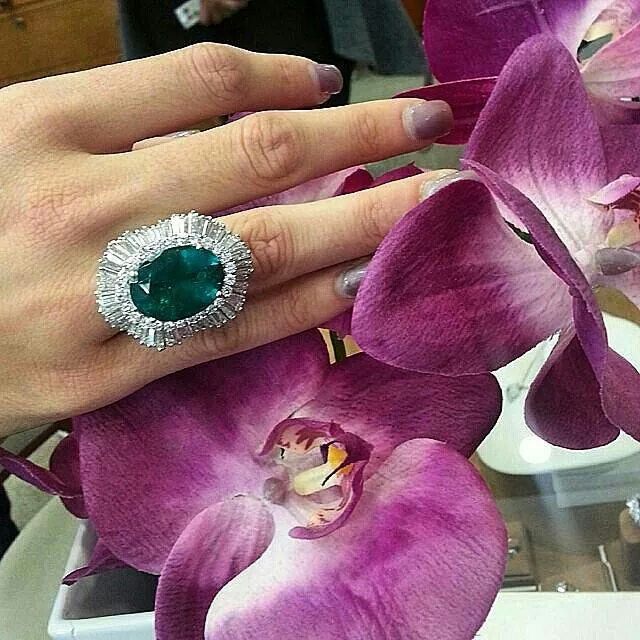 repost from @davidrudyltd Fall into the color of Fall with Emeralds #fallstyle…