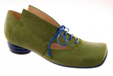 green shoes, pumps from Lisa Tucci / Spring 2014