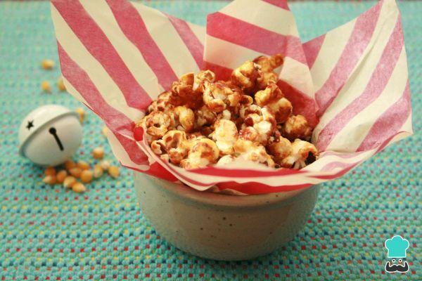 Receta de Palomitas dulces en sartén - ¡Más sencillo imposible!  #RecetasGratis #RecetasdeCocina #RecetasFáciles #RecetasparaNiños #ComidaDivertidaparaNiños #CocinaCreativa #Palomitas #popcorn