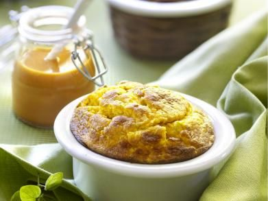 Soufflé van zoete aardappel met paprikasaus