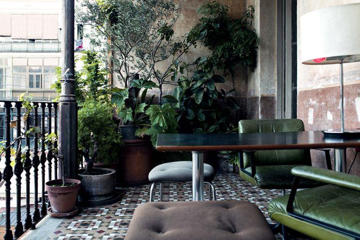 : Terrace, Decor Ideas, Balconies Gardens, Balcony Garden, Pia Ironwood, Plants, Back Porches, Green Chairs, Outdoor Spaces