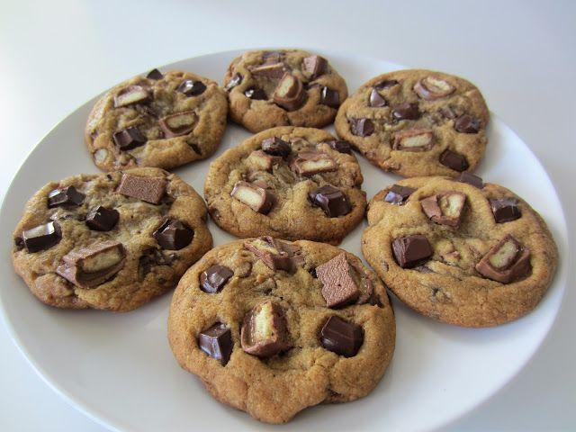 Herkkuja leipomassa: Twix-keksit/ Twix Cookies