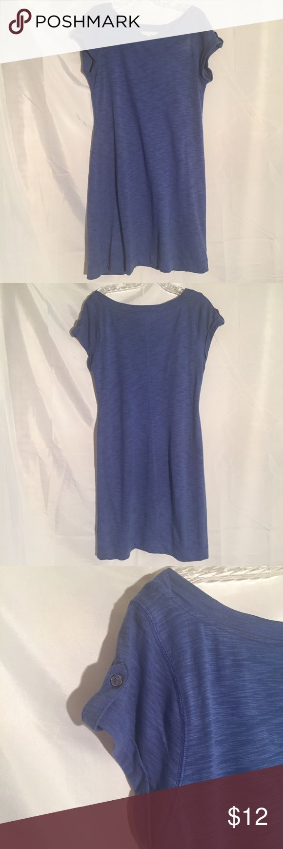 Blue BR Banana Republic tshirt dress size S Blue BR Banana Republic tshirt dress size S. I love to bundle items to save you money! I don't trade though!!!! Most of my prices are negotiable so feel free to make an offer and create a bundle to save even more!!!! Remember when you bundle you are saving on the shipping!!!! Banana Republic Dresses