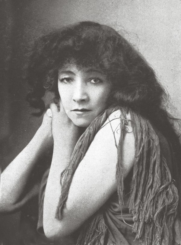 """Sarah Bernhardt - She appeared in two more pictures after losing a leg in 1915, Jeanne Doré (1915) and Mothers of France (1917), both produced as WWI morale boosters. [When asked, following amputation, whether she would be retiring] """"What's a leg?""""  In 1923, when she was 79, her hotel room was turned into a studio so that she could appear in the film The Clairvoyant (1924). But her failing health halted production and she died before the film was completed."""
