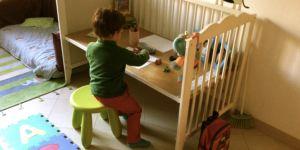 lettino in scrivania per bimbi