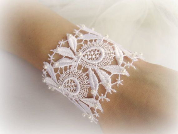 Embroidered lace bracelet lace cuff bracelet by MalinaCapricciosa