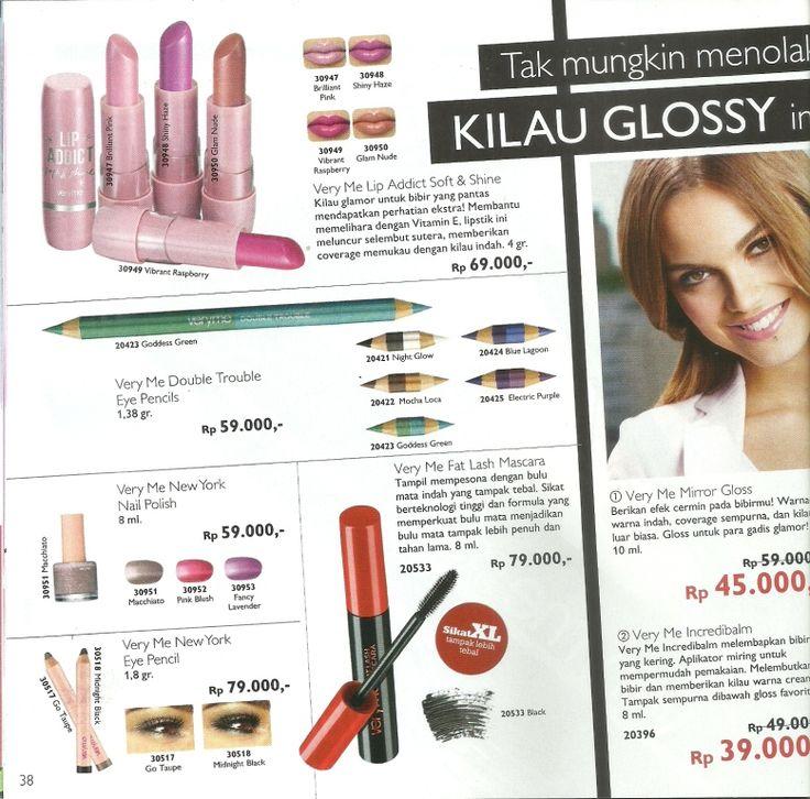 lipstik membuat kilau glossy di bibir indahmu...