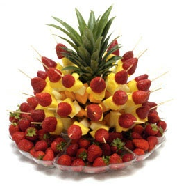 Beautiful ways to arrange fruit for parties! From itswrittenonthewalls.blogspot.com