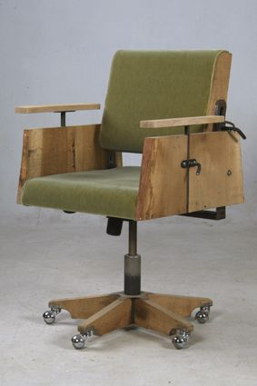 Designer: Piet Hein Eek  makes rugged design. Many scrap wood, but also steel, stainless steel, zinc and plastics