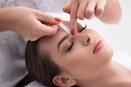Know about the various #benefits of #Eyebrow #Waxing Bnails Salon a reputed #eyebrow and #nailsalon, eyebrow waxing near me doesn't use any sort of chemicals. There is no use of any artificial ingredients or products touching your face and inflicting irritation. http://bnails-salon.bravesites.com/