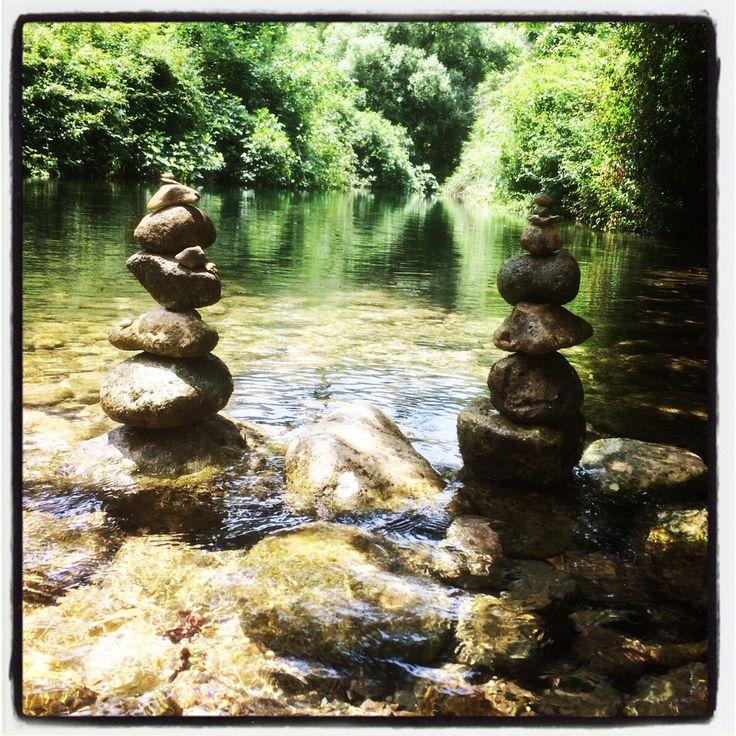 #carrubbella #stonebalancing #stoneart #rock #geppo #art #stonebalance #equilibrio #pietre #fiume #cavagrande #riservanaturalecavagrande #laghetti #cavagrandedelcassibile #naturalreserve #river #ig_sicily #ig_italy #sicilia #sicily #holiday