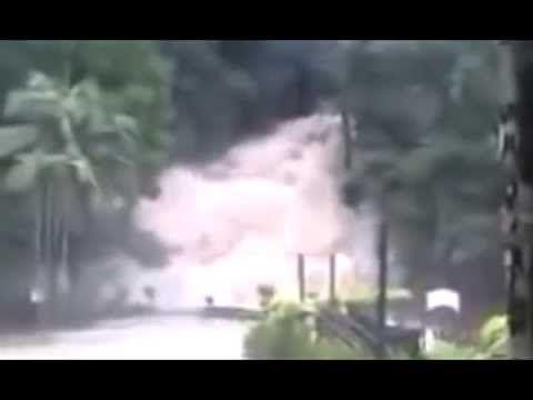 Peristiwa Memilukan Jebolnya Tanggul Air - Detik Detik Peristiwa Jebolnya Tanggul Air yoo