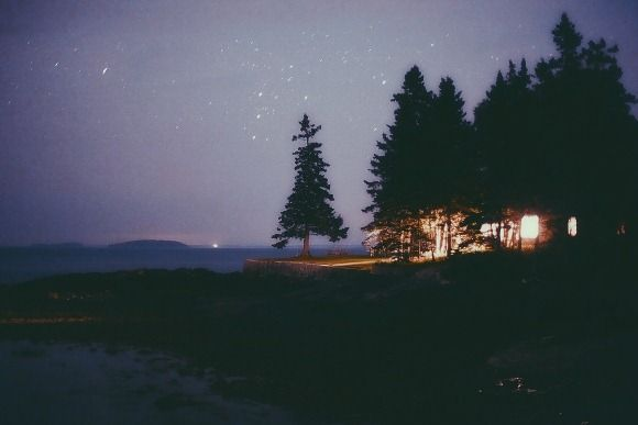 Decor Inspiration: The Cabin In Maine seen on Bldg 25 Blog – The Free People Clothing Blog by fp julia