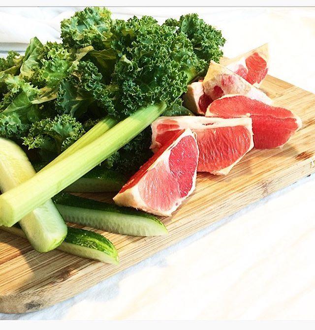 I really regret eating healthy today -said no one ever . Time to juice  . . . .  #juicing #rawjuice #rawvegan #rawfood #vegan #detox #vitamins  #plantbased #plantpower #veganlife #govegan #freshjuice #vegansofig #veganfoodshare #veggies #fruits #healthy #fitness #workout #superfood  #organic #juicer #tuoremehu #greens #greenjuice #mehulinko #vegaani  #rawsome #veganism #healthyfood