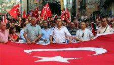 Zonguldaklılar bayrağına sahip çıktı... | PUSULA - ZONGULDAK IN AÇILIŞ SAYFASI ::.