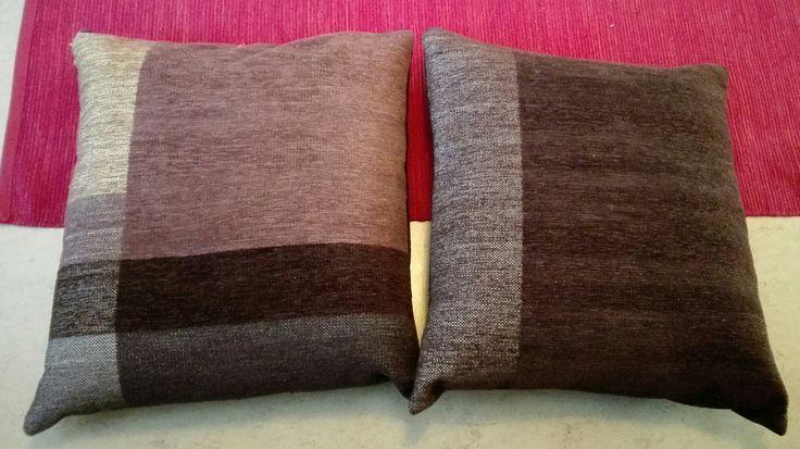 Puolikkaat tyynynpääliset vihdoin valmiit.