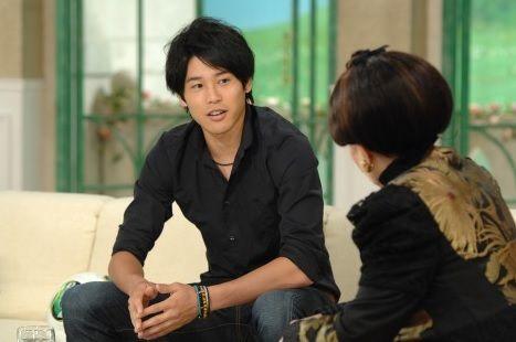 徹子の部屋の出演者。サッカー選手の内田篤人は「過去に対戦した中では、間違いなく最強、最高の相手です」と賞賛。