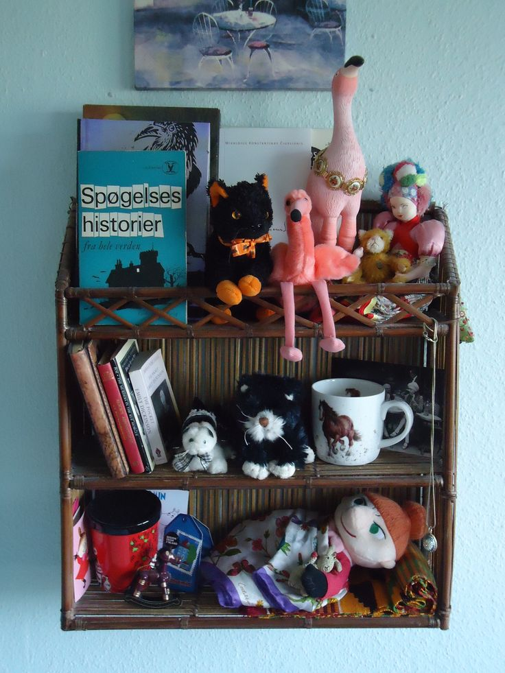 Shelf of curiosities. What's on yours? #May 2016 #KET