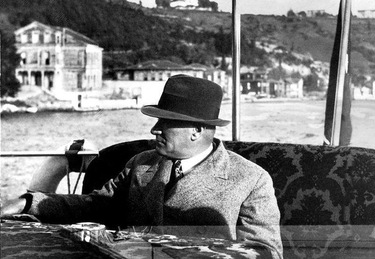 Atatürk'ün Ankara Motoru ile Boğaz'da Gezisi / 1935
