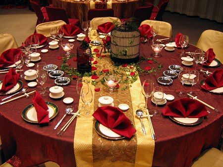 Wedding color schemes: Gold and red. Would be really pretty in September.