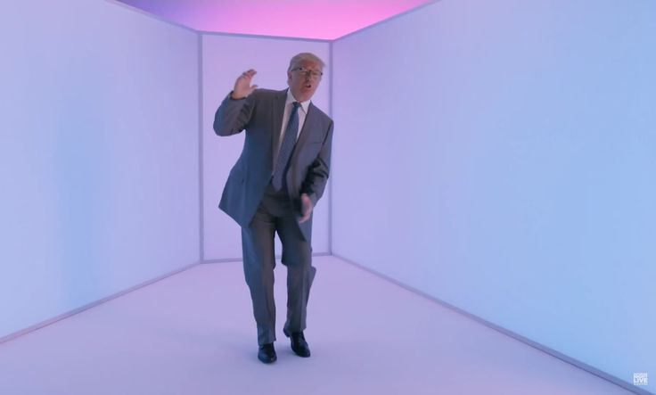 Donald Trump shows off dad dance moves in 'SNL' 'Hotline Bling' parody