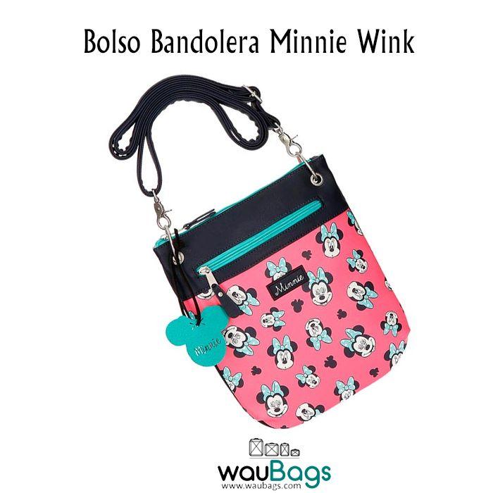 Bolso Bandolera Minnie Wink, con compartimento principal con cierre de cremallera, un bolsillo en la parte frontal para guardar tus accesorios más pequeños, también con cremallera, y correa regulable.  @waubags.com #disney #minnie #bolso #bandolera #complementos #waubags