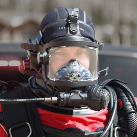 The OTS Stealth Full-Face Mask (FFM) features a subdued logo with all of the original innovative features the Guardian has to offer and includes the SRG-1 High Performance Regulator. This mask is sure to become the standard for public safety, commercial, and any diver who wants the best of the best. Photo: OTS