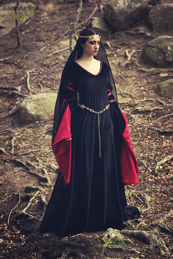 Arwen luto reina traje medieval en terciopelo, satén negro y rojo