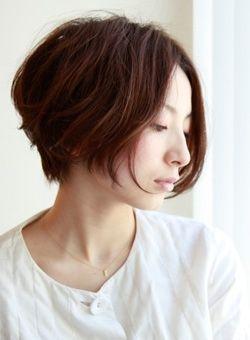若く見える!40代が憧れるヘアスタイル・ミディアム・ショート・ボブ画像集【芸能人も】 - NAVER まとめ