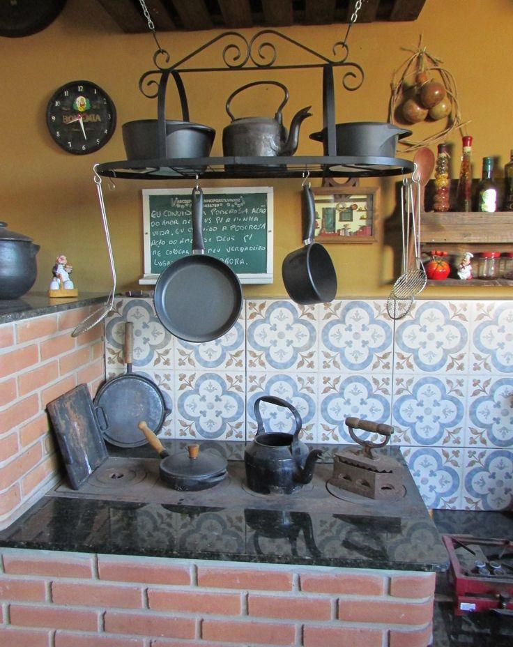 Paneleiro suspenso ( 90 x 31 x 37 cm) R$ 160,00 atelealpha@yahoo.com.br