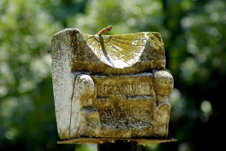 Theseus Aegean: Ηλιακό ρολόϊ στο Δίον
